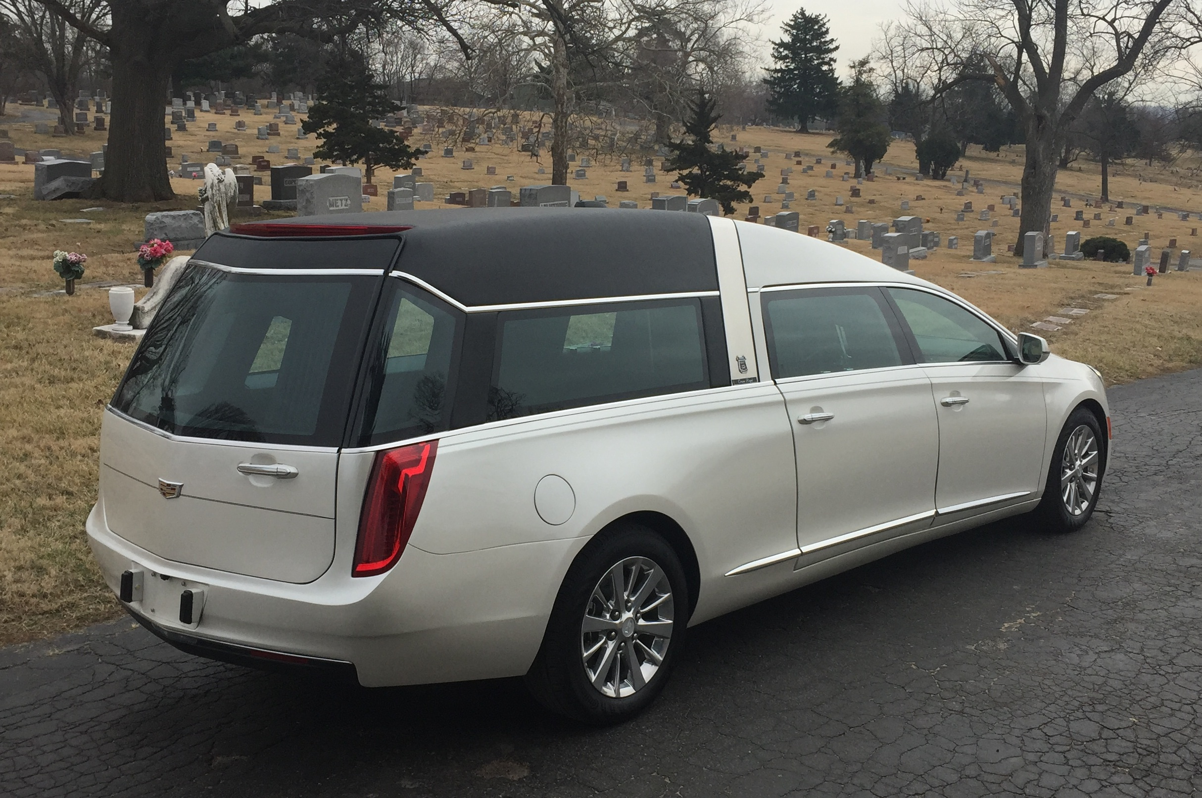 Hearse For Sale >> Crown Regal Funeral Car - Armbruster Stageway