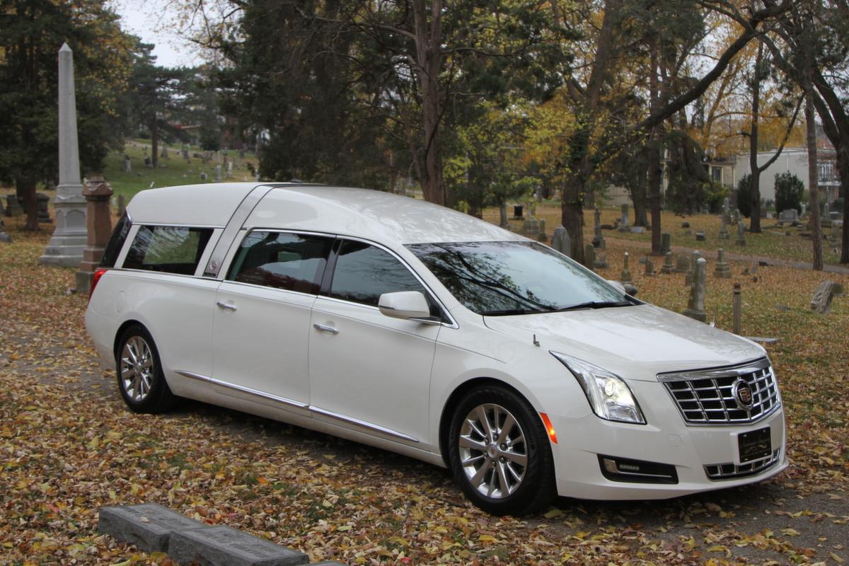 Crown Regal Funeral Car - Armbruster Stageway